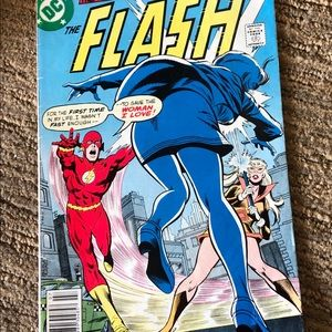 DC THE FLASH Comic book